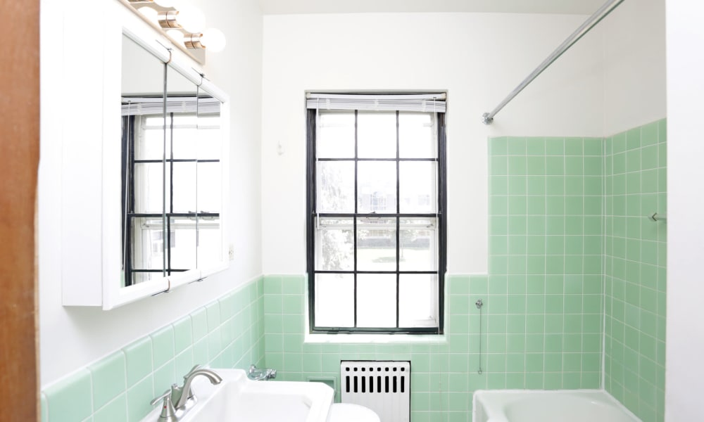 Master bathroom in Des Moines, Iowa at Windsor Terrace
