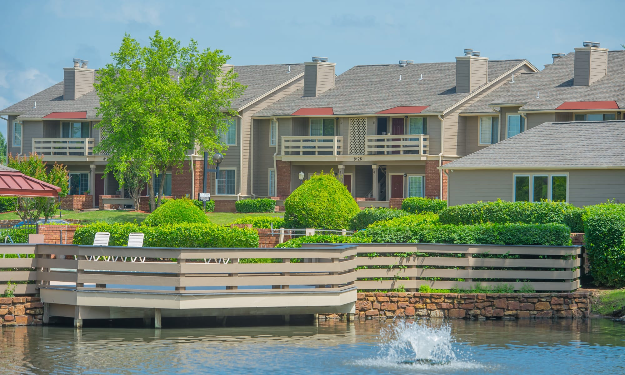 Apartments at Sheridan Pond in Tulsa, Oklahoma