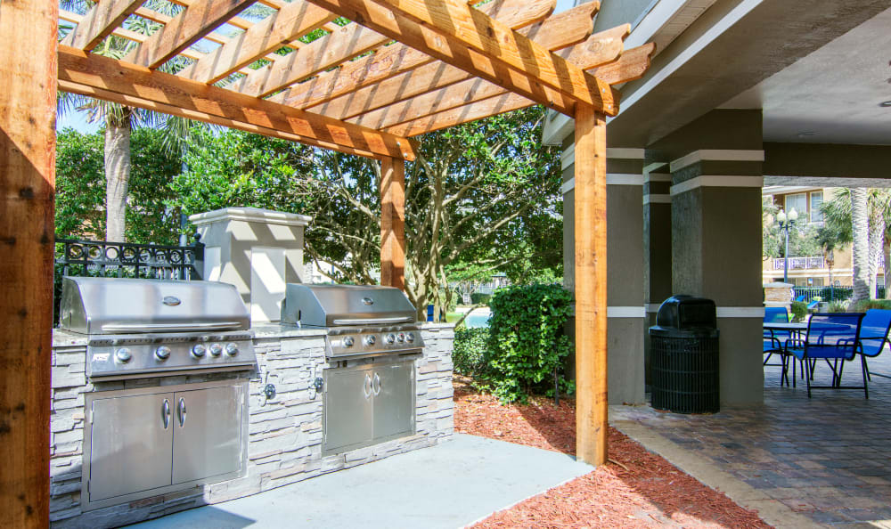 Outdoor BBQ at The Estates at Park Avenue in Orlando