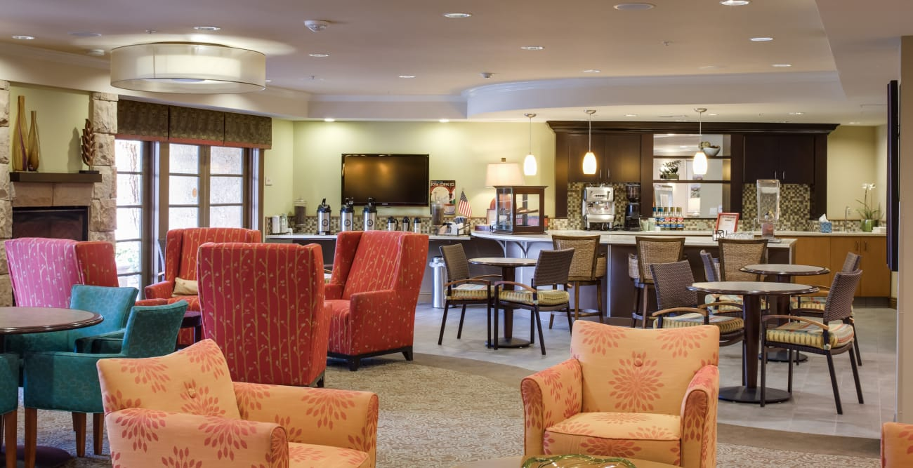 Common area with plenty of seating at The Reserve at Thousand Oaks in Thousand Oaks, California