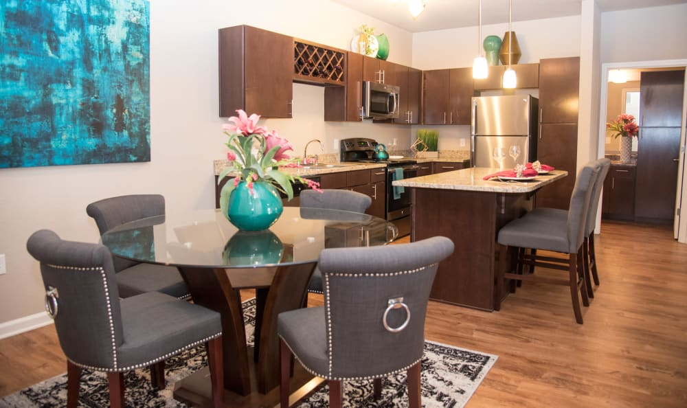dining area at Springs at Country Club Apartments in Lake Charles, LA
