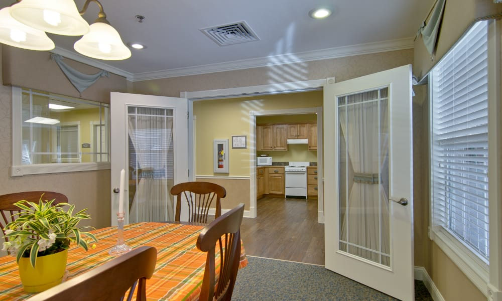 Family dining room at Jefferson Gardens Senior Living in Clinton, Missouri