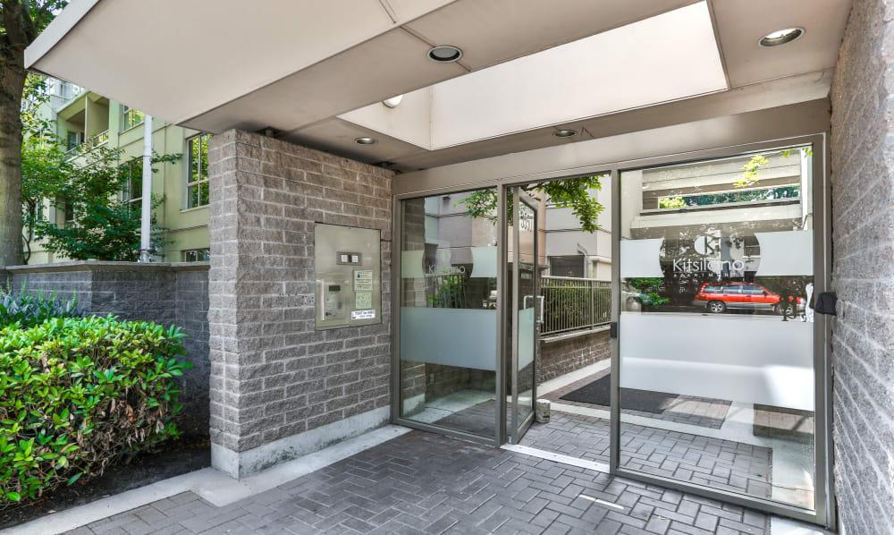 Dunway Court front doors in Vancouver