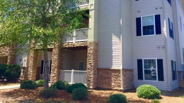 Apartments building at The Enclave at Deep River in Greensboro, NC