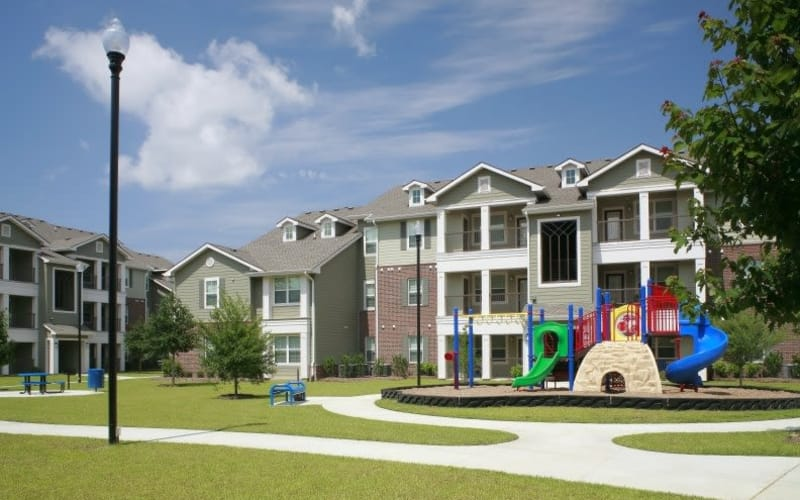 Exterior view at Palmetto Greens Apartment Homes in Covington, Louisiana