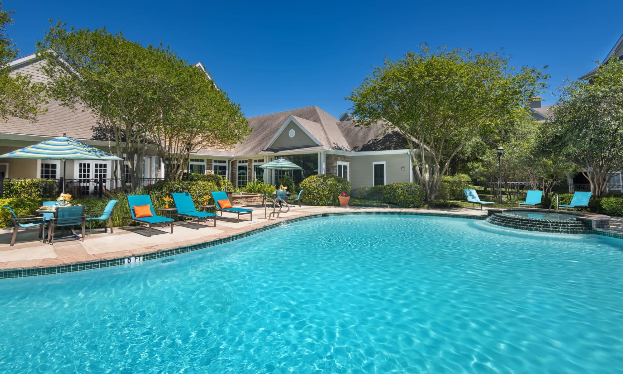 Apartments at The Lodge at Shavano Park in San Antonio, Texas