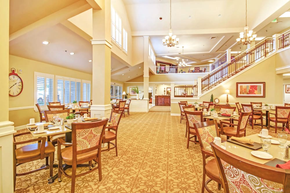 The Commons on Thornton offers a dining area in Stockton, California