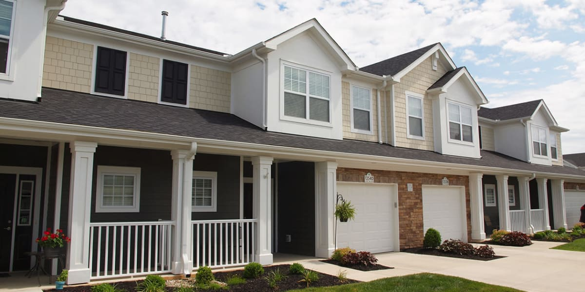 Beautiful view of the front of the apartments at Greyson on 27 in Nicholasville, Kentucky