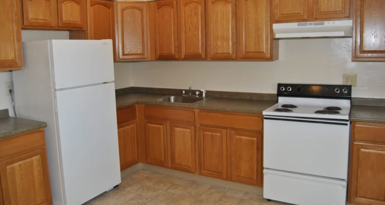 Edgewater Gardens Apartment Homes offers a fully equipped kitchen in Long Branch, NJ