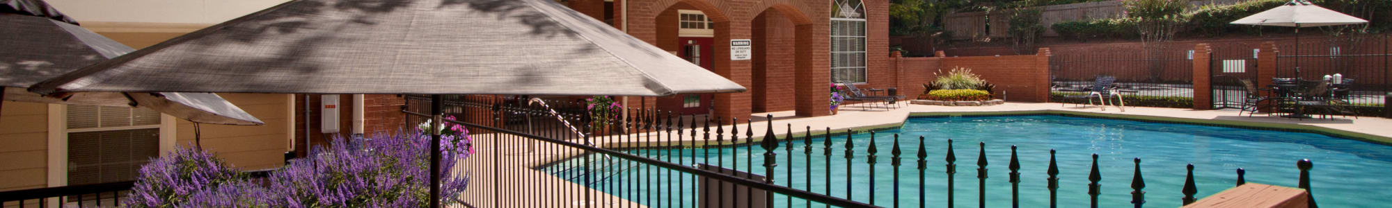 Swimming pool at Brookwood Valley