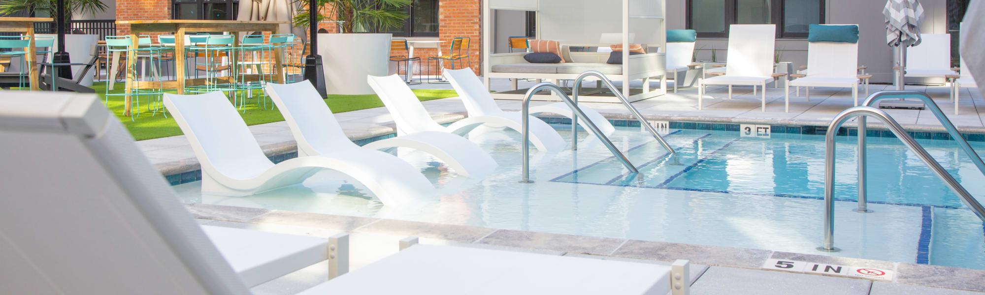 Urban luxury amenities at 511 Meeting in Charleston, South Carolina