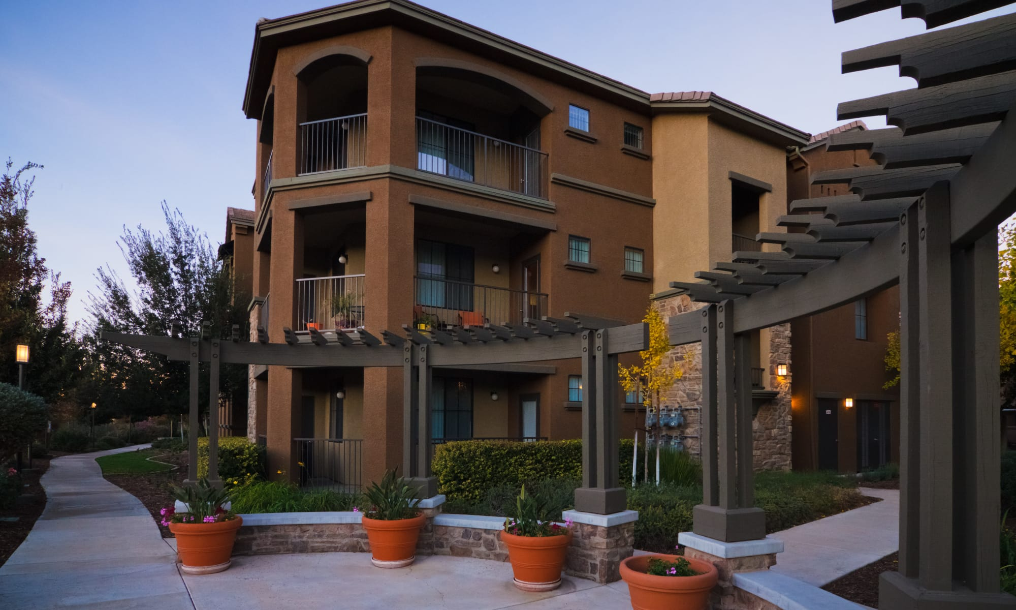 Stevenson Ranch, CA Apartments for Rent | Links at Westridge