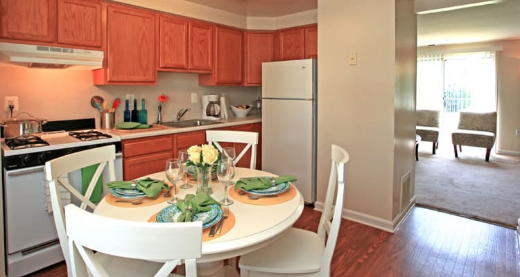 Fully-equipped kitchens at Whispering Woods allow for endless culinary creations!