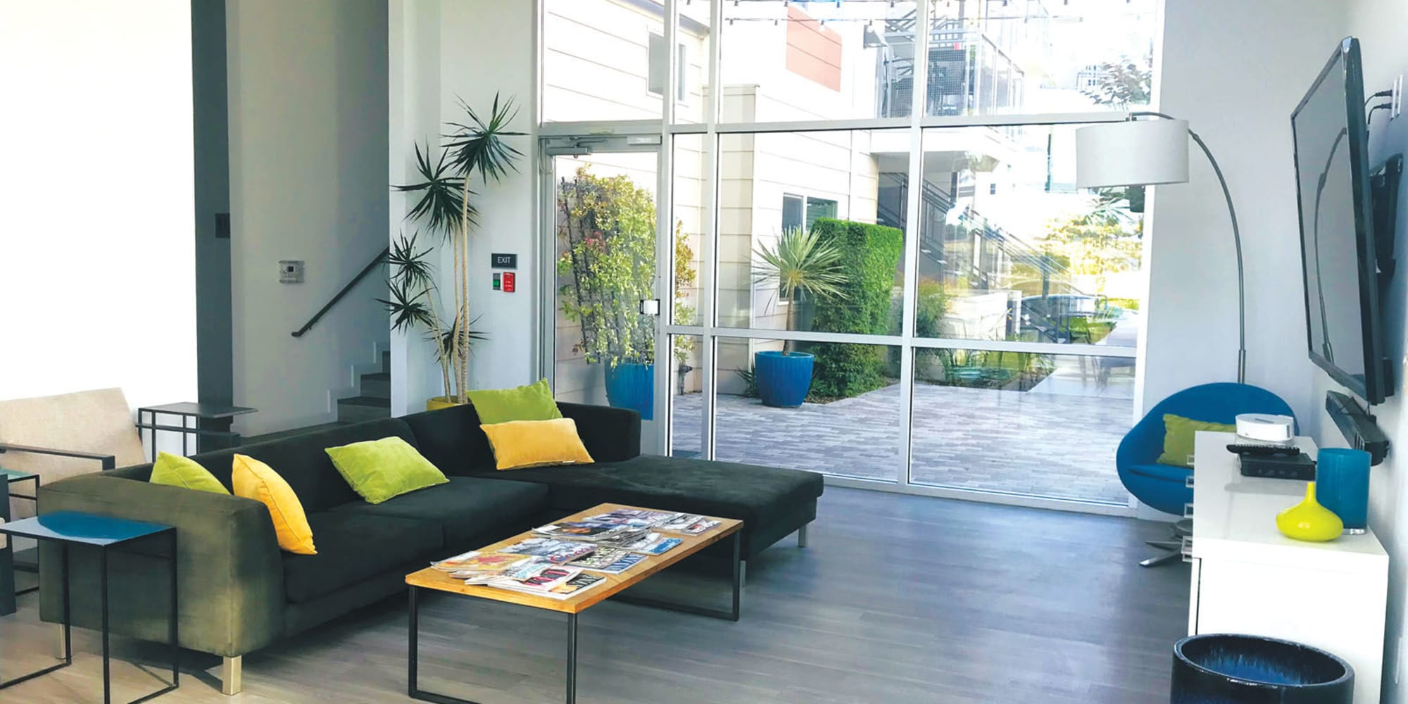 Resident clubhouse lounge area at Citron in Ventura, California
