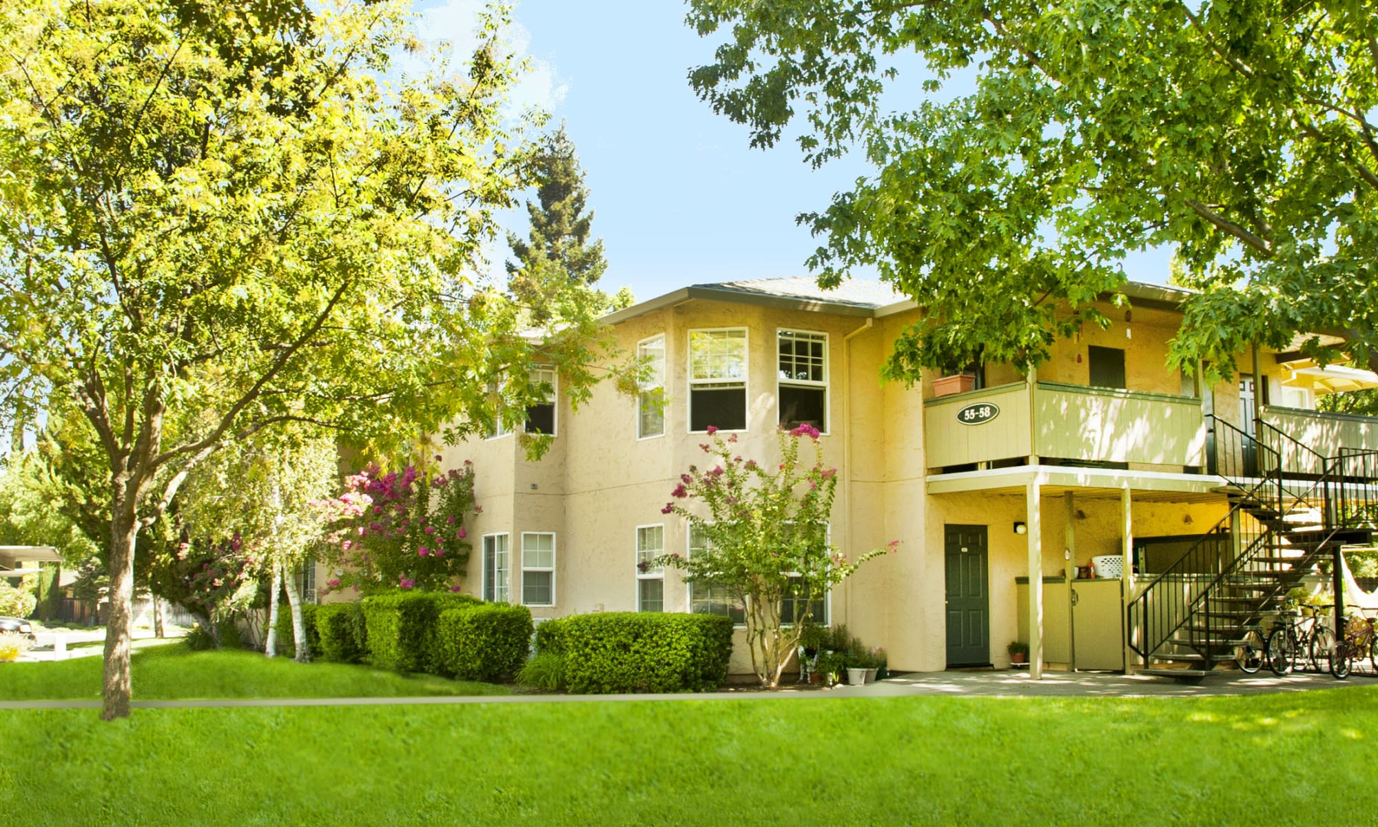 Oak Meadow Apartments in Chico, California