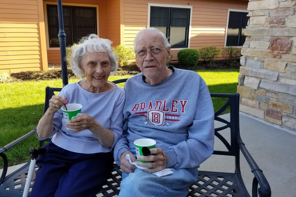 Residents enjoying a snack at The Meadowlands in O'Fallon, Missouri