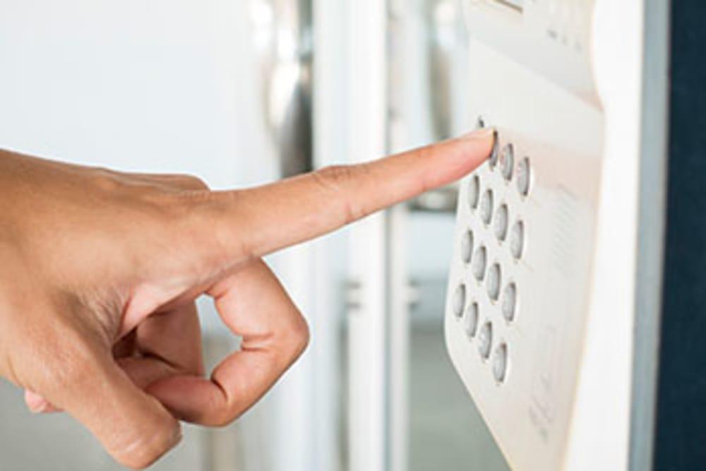 Enjoy keypad entry access to your storage unit in Oak Park, MI