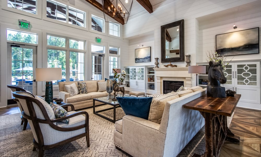 Alta Brighton Park offers a spacious living room in Summerville, South Carolina