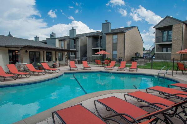 Apartments at Cimarron Pointe Apartments in Oklahoma City, Oklahoma
