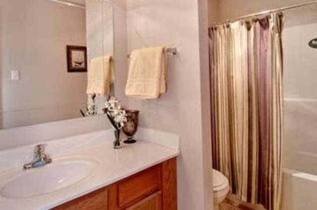 Our apartments in Harvey, Louisiana offer a bathroom
