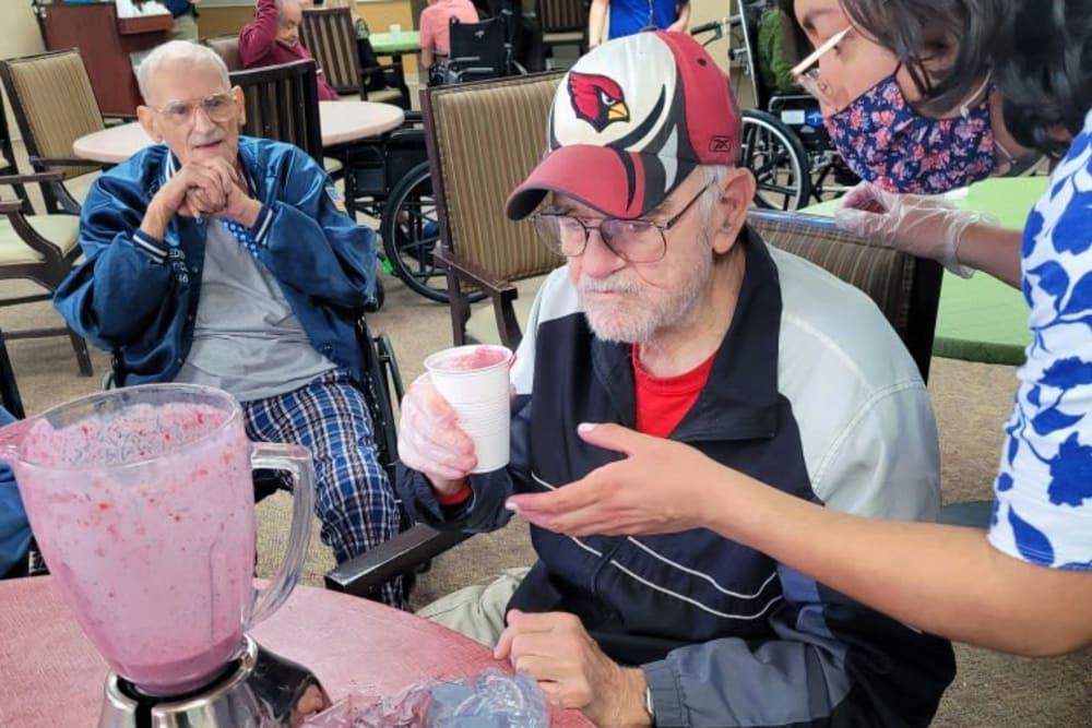 Milkshakes workshop at Woodland Palms Memory Care in Tucson, AZ