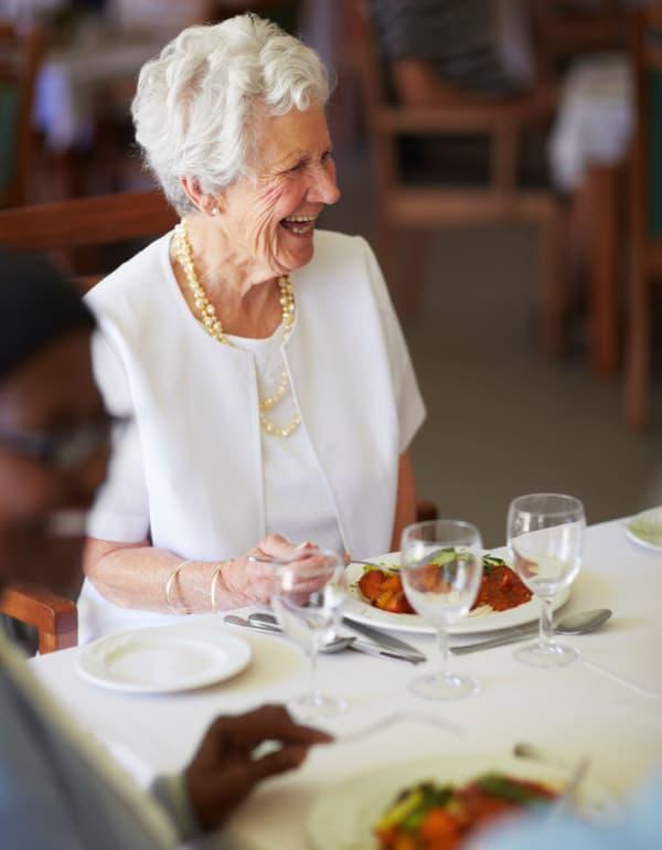 Resident enjoying dinner at The Retreat at Carolina Bay in Hartsville, South Carolina
