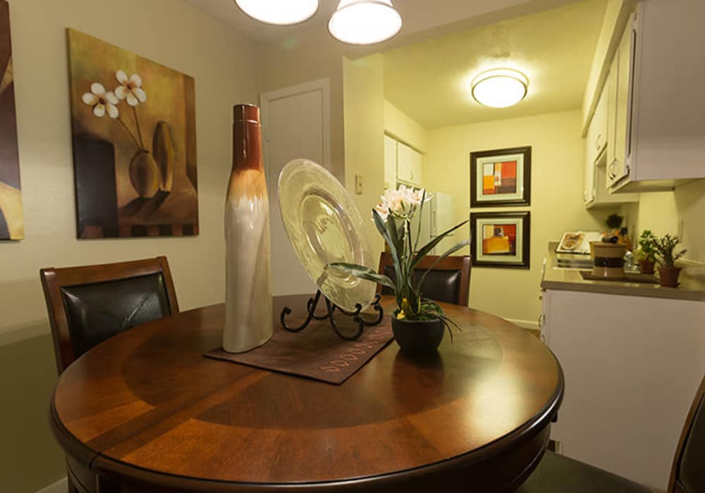 Dining area at Riverstone Apartments in Bryan, Texas