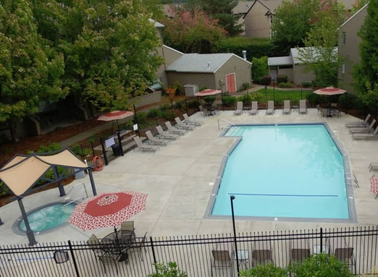 Town Center Heights offers a spacious swimming pool in Happy Valley, Oregon
