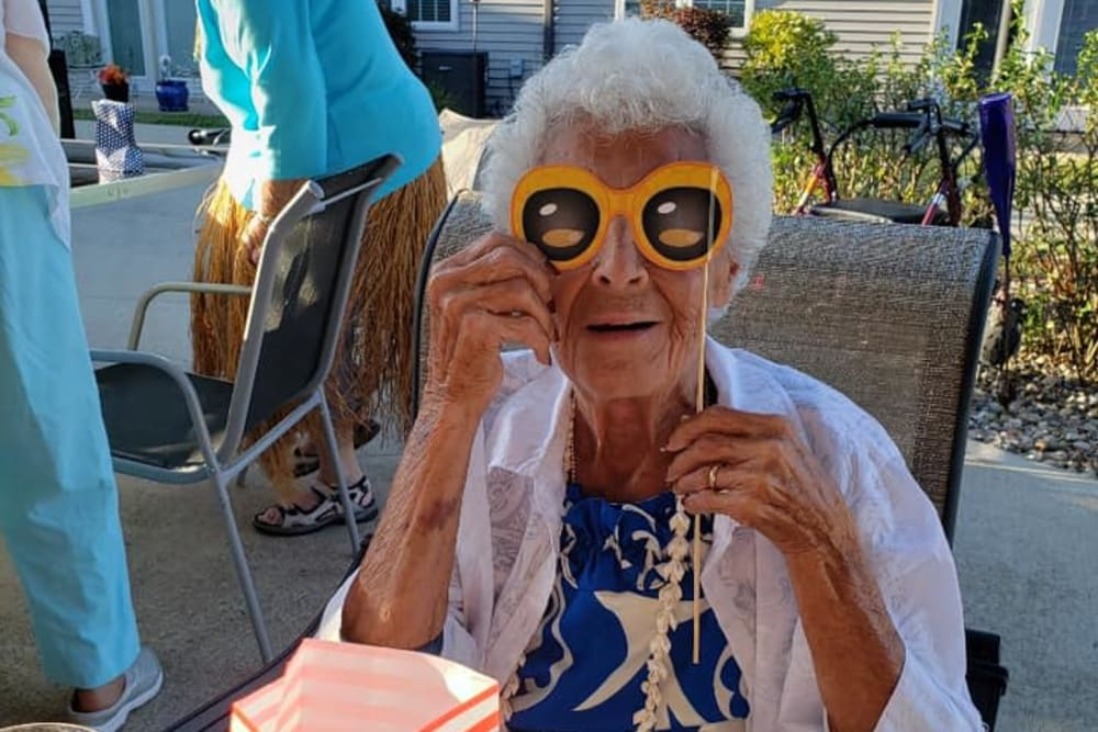 A resident having fun at Villas of Holly Brook Shelbyville in Shelbyville, Illinois