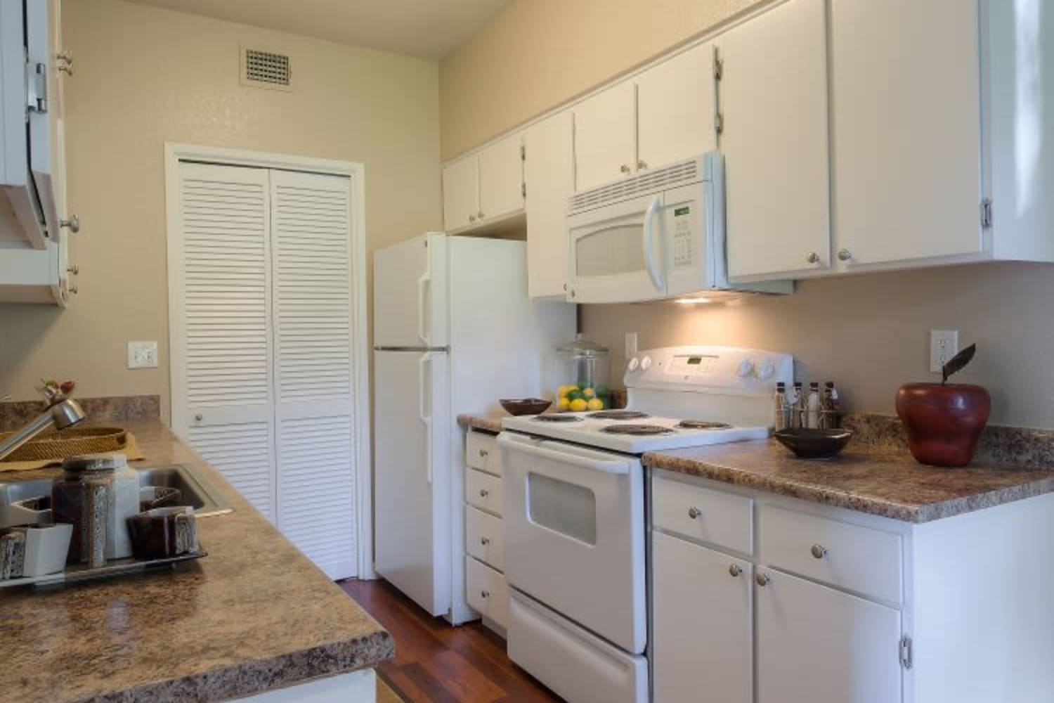 Cotton Wood Apartments in Dublin, California, offer updated kitchens