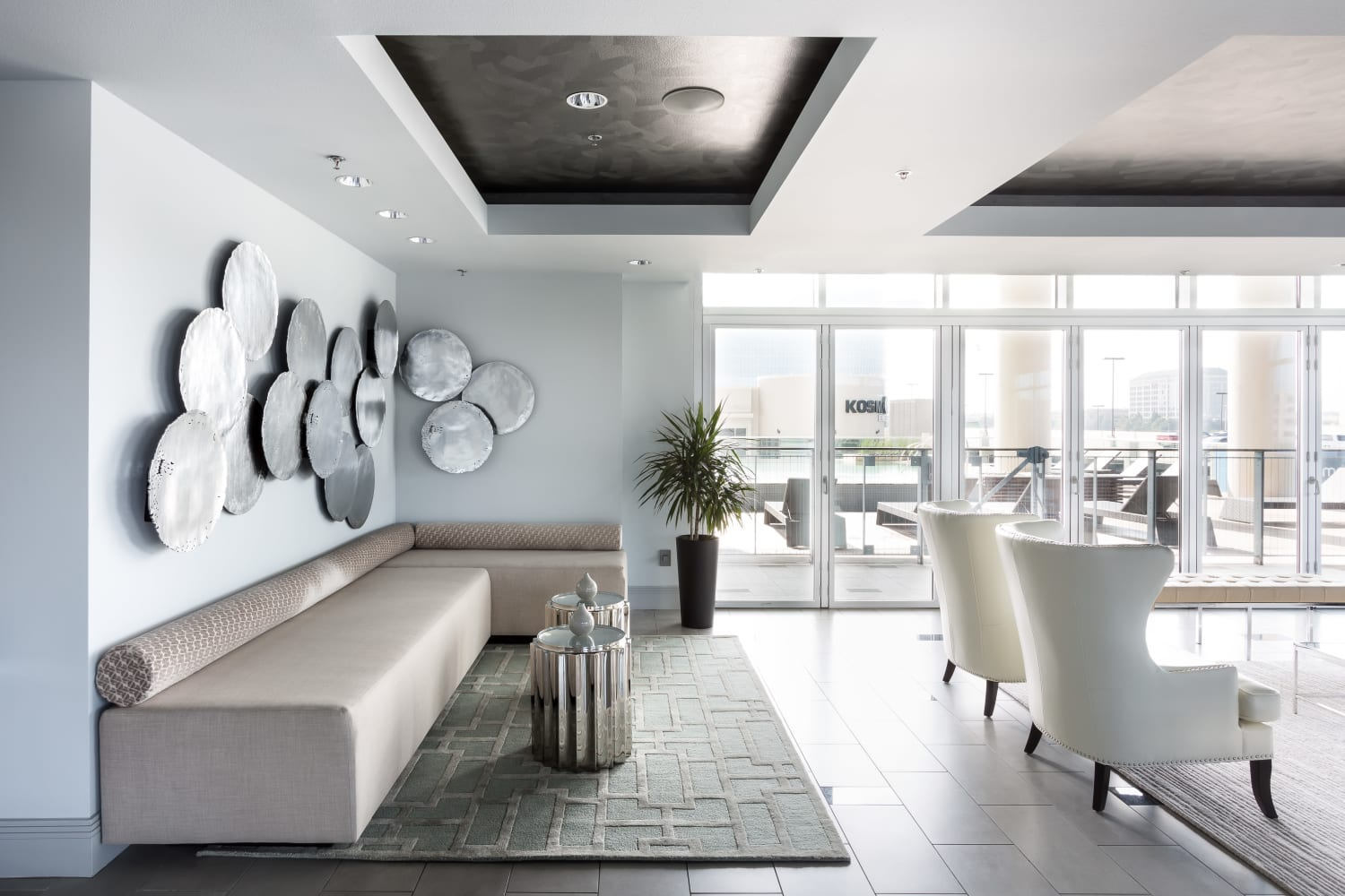 Indoor lounge area at The Heights at Park Lane in Dallas, Texas