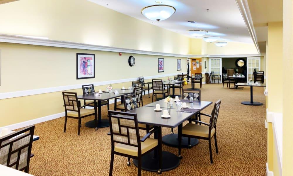 Dining room at Lassen House Senior Living in Red Bluff, California