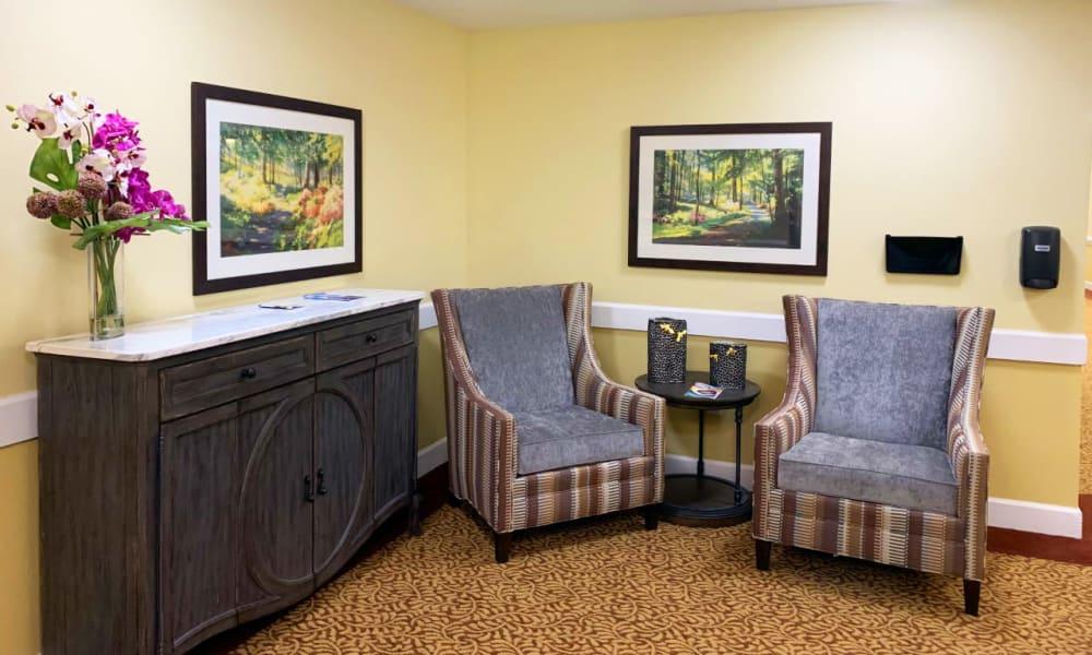 Lounge around at Lassen House Senior Living in Red Bluff, California