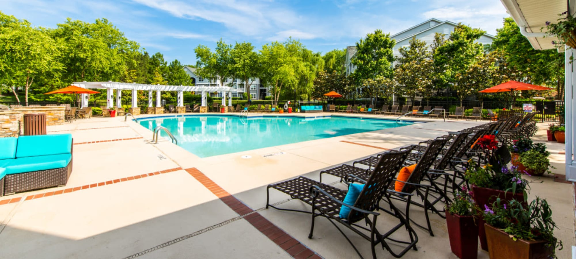 Apartments at Marquis on Cary Parkway in Morrisville, North Carolina