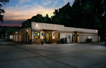 Space Shop Self Storage Provides Clean Storage Units