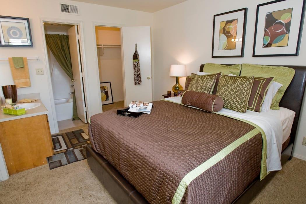 An apartment bedroom at Boulder Ridge in Tulsa, Oklahoma