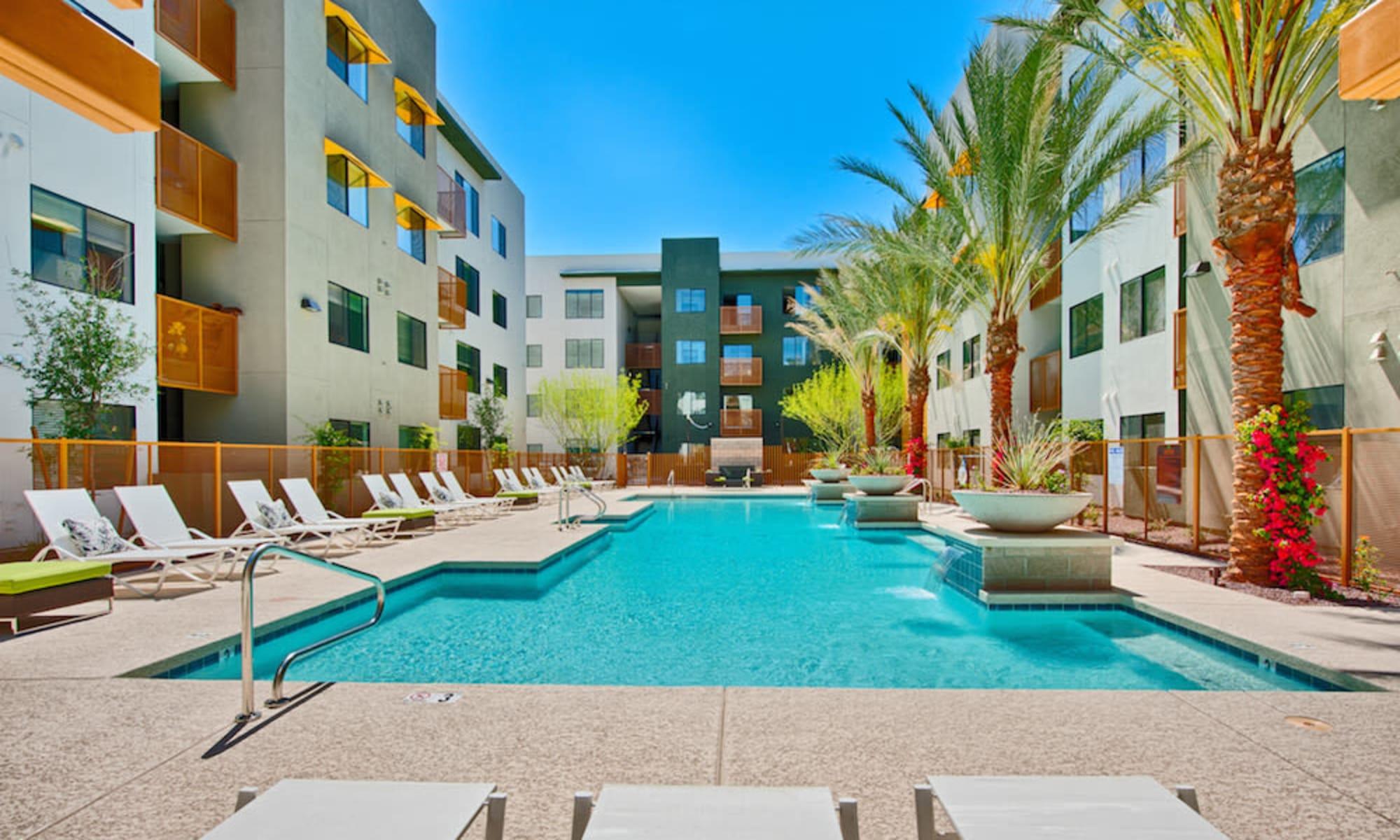 Apartments at Cactus Forty-2 in Phoenix, Arizona