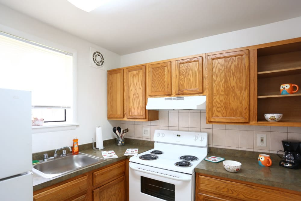 Kitchen with ample counter top space at Bishop - Stratford Court Apartments in Stratford, New Jersey