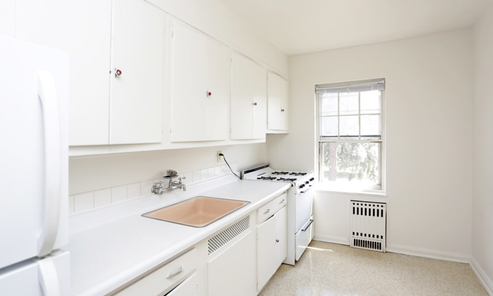 Bright white kitchen at Windsor Terrace in Des Moines, Iowa