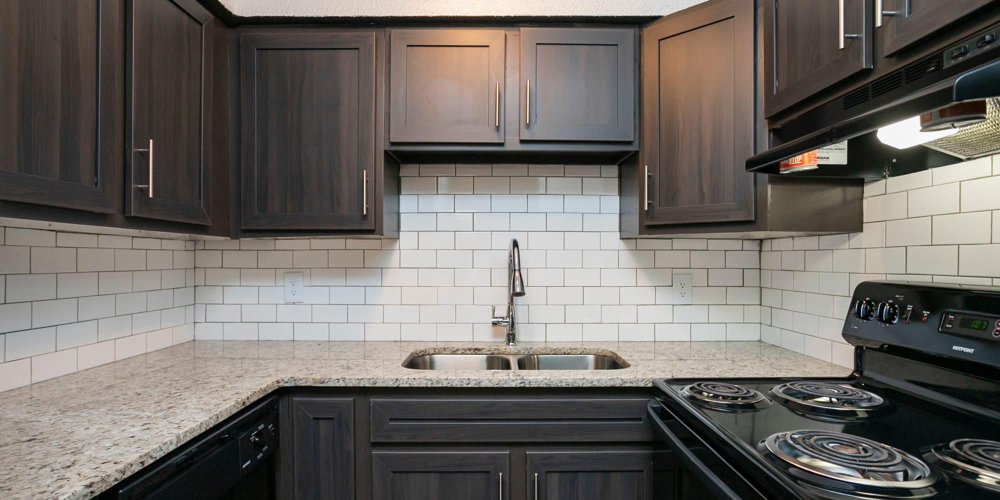 A spacious kitchen at Magnolia Place Apartments in Franklin, TN