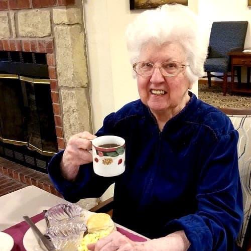 Resident eating breakfast at Ashbrook Village in Duncan, Oklahoma