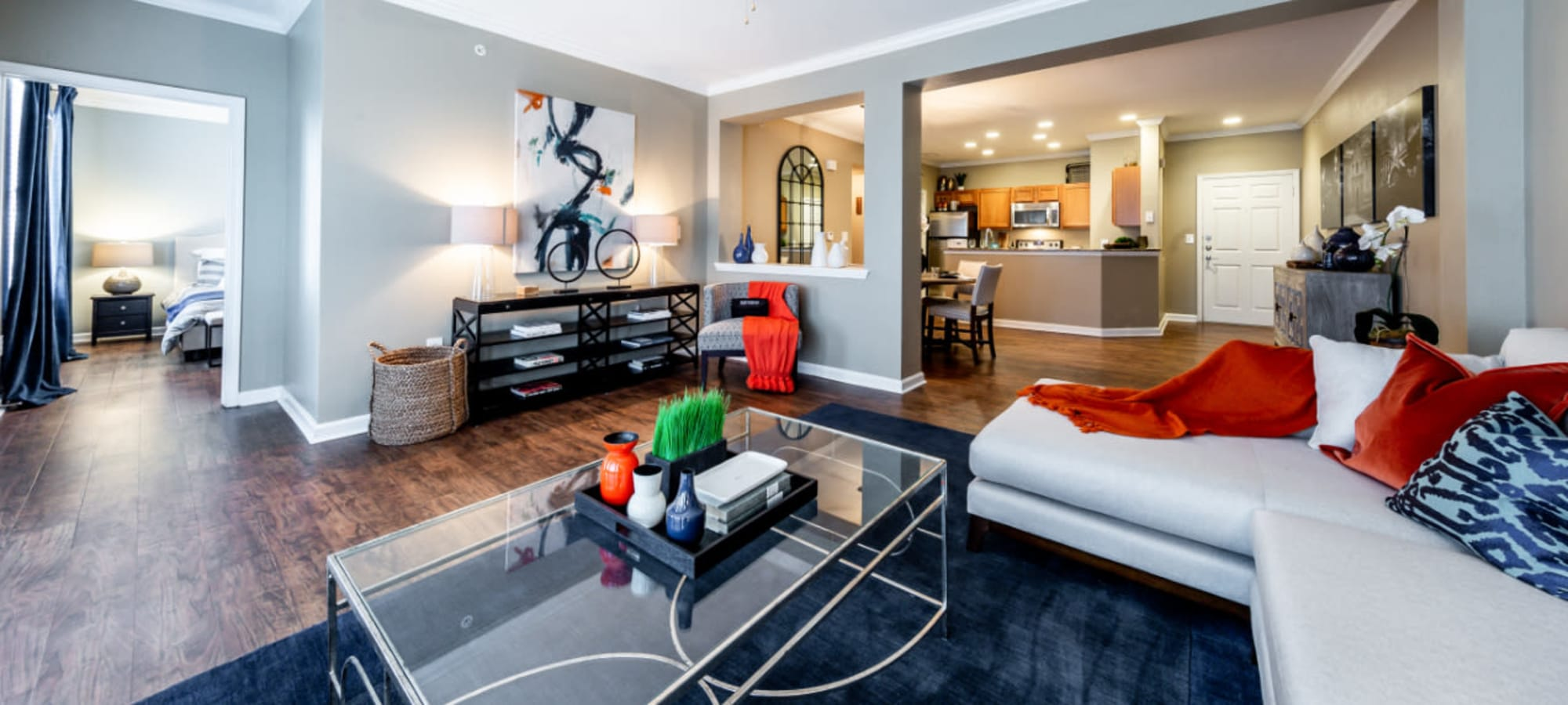 Apply to live at Marquis at Stone Oak in San Antonio, Texas