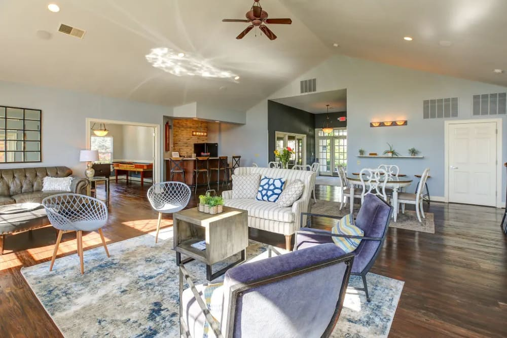 The community lounge at Charleston Pines Apartment Homes in Florence, Kentucky