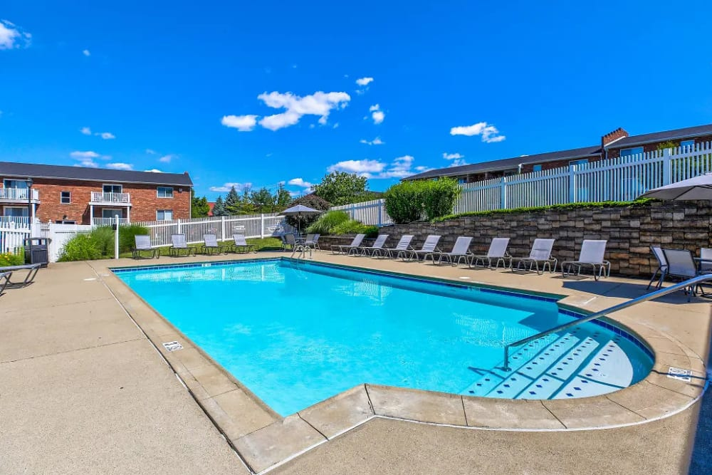 The idyllic swimming pool at Reserve at Ft. Mitchell Apartments in Ft. Mitchell, Kentucky