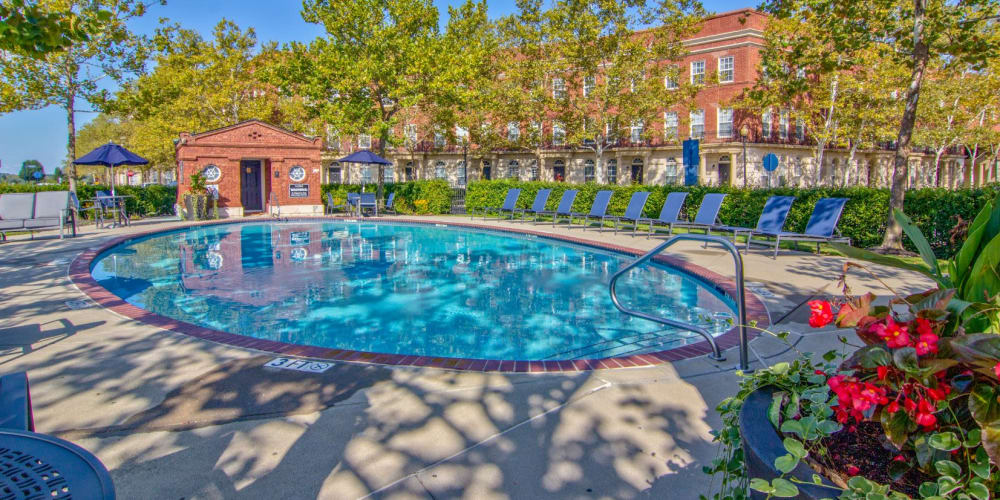 Pool and clubhouse at Easton Commons Apartments & Townhomes in Columbus, Ohio