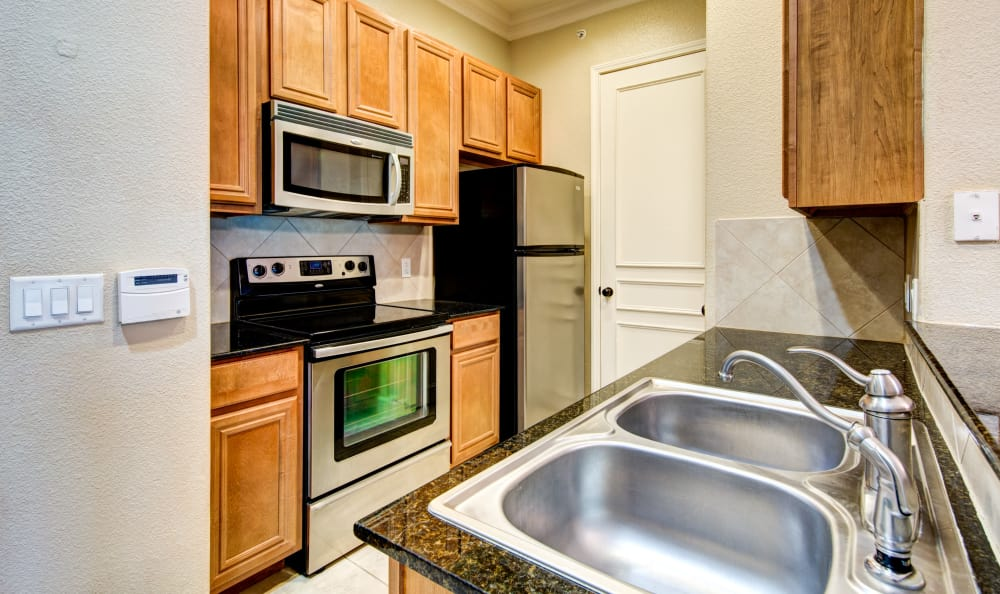 Fully equipped Kitchen room at Marquis at TPC in San Antonio, TX