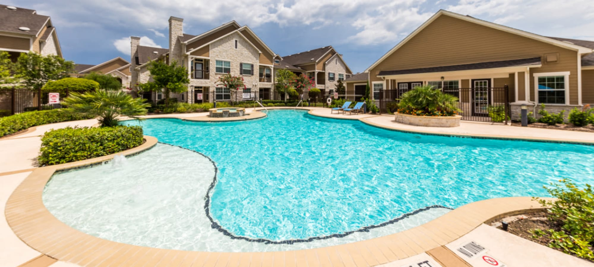 Schedule a tour of Marquis at Cinco Ranch in Katy, Texas