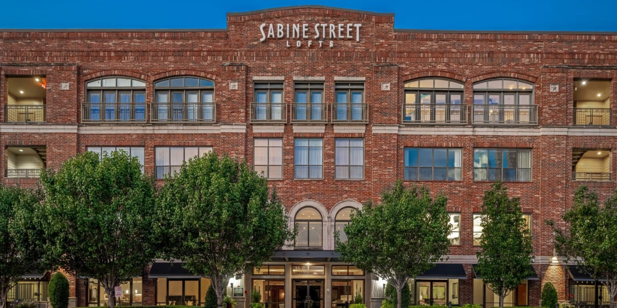 Street view of the entrance to Marquis Lofts on Sabine in Houston, Texas