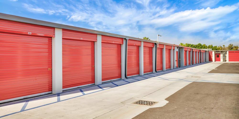 Wide driveway between outdoor units at StorQuest Self Storage in Reno, Nevada