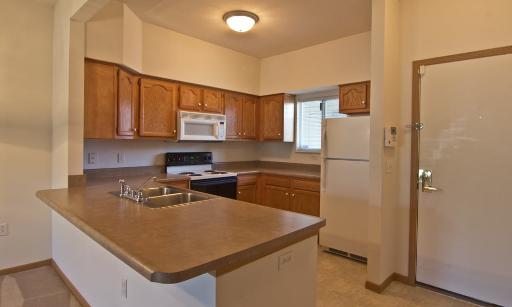 Beautiful kitchen at Steeplechase Apartments & Townhomes in Toledo, OH